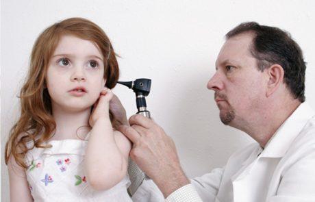 מה עושים עם הדלקת באוזניים?